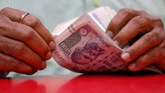 Rakesh Mohan argues that the Indian economy is in trouble once again and it is time to usher in a third generation of economic reforms.(REUTERS)