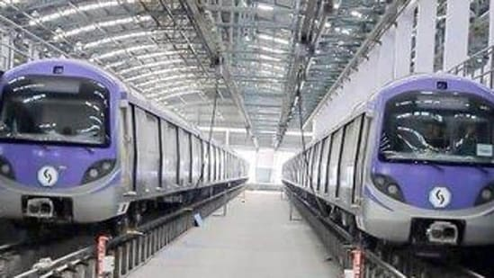 West Bengal govermment has decided to allow Kolkata Metro to run five days a week with 50% passenger seating capacity in its revised Covid-19 guidelines.(File photo)