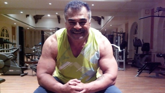 Sharat Saxena talked about the lack of good roles for senior actors like him.