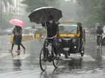 Mumbai woke up to overcast skies on Friday as the heavy rainfall continued overnight, leaving several parts of the city waterlogged by the morning. (Photo by Vijay Bate/HT Photo)(HT PHOTO)