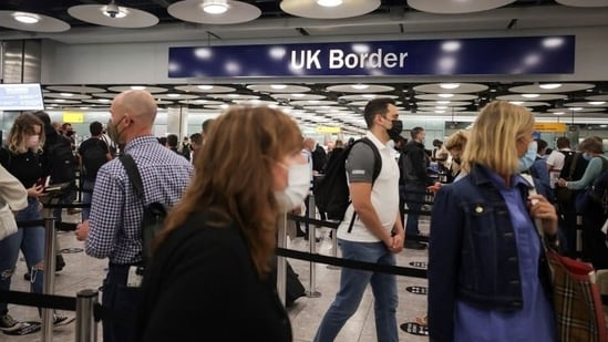 UK government reimposed quarantine rules on travellers returning to England from France.(Reuters)