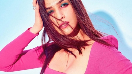 And her latest one is proof that pink can also be edgy, and Kriti's colourful make-up and accessory choice truly made her look like 'a mermaid in a sea of fish'. (Instagram)