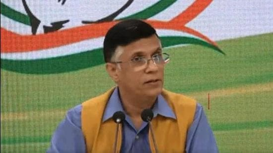 'Smells of a scam': Cong slams govt for 'siphoning off thousands of crores'