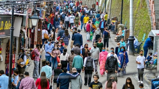 Shimla in Himachal Pradesh is witnessing a heavy influx of tourists despite warning from authorities. (PTI)