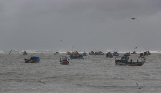 Fishermen try to return to the shores on the Arabian Sea coast in Mumbai. (AP Photo)