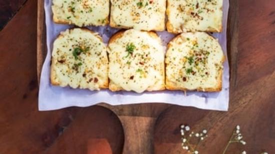 Chilli cheese toast(Unsplash)