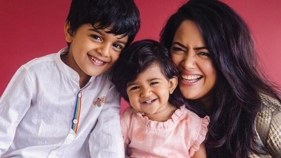 Sameera Reddy trains in the rain with her kids, watch new workout video(Instagram/@reddysameera)