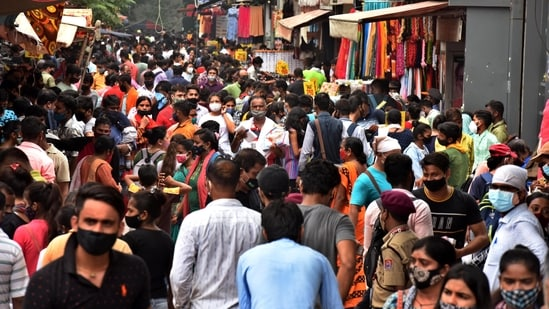 Crowd at New Delhi's Sarojini market on Sunday amid the fears of Covid third wave. Sarojini export market has been shut for flouting Covid norms (Photo by Raj K Raj / Hindustan Times)