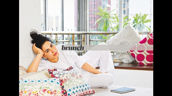 Kirti Kulhari poses at her home exclusively for this HT Brunch column; Styled by Avinash Bamania (Vickky Idnaani)