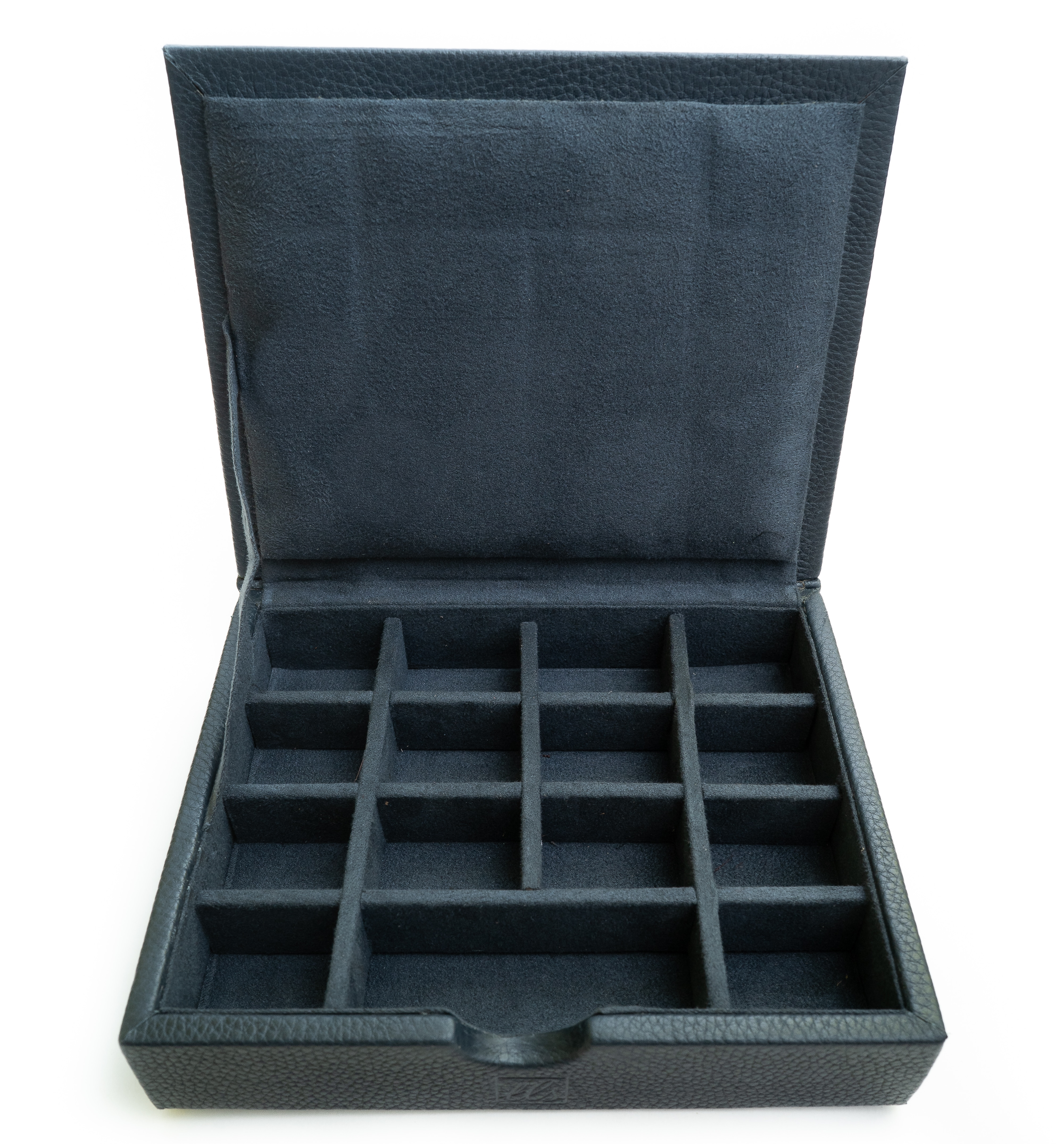 The high-quality cufflink case by The Leather Story