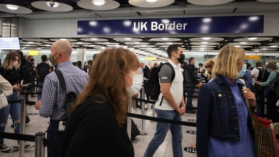 Travellers at Heathrow left angry after PM Boris Johnson's French U-Turn(REUTERS/Hannah Mckay/File Photo)