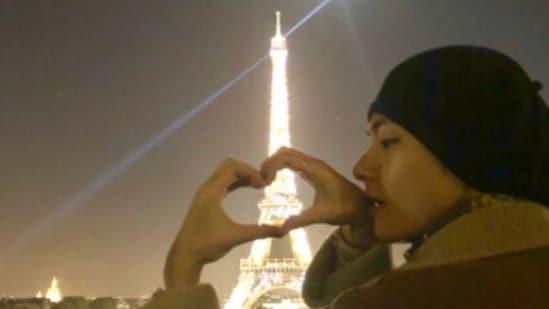 BTS singer V visited the Eiffel Tower in 2018.