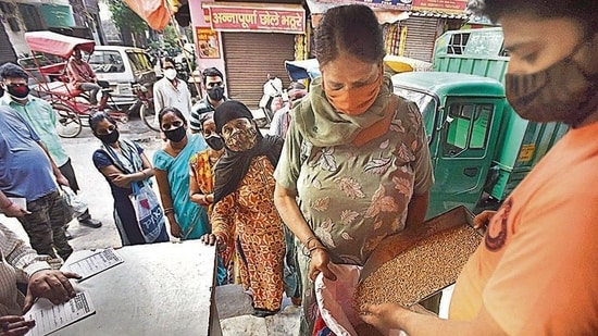 ONORC allows beneficiaries to get subsidised ration from anywhere in the country. (Raj K Raj/HT Archive)