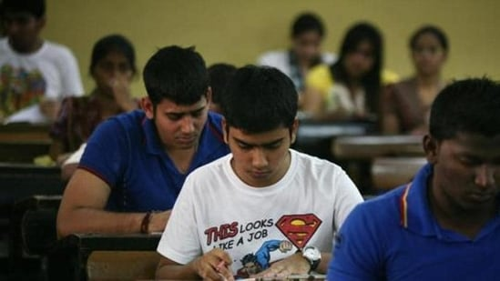 Tamil Nadu TN HSC 12th Result 2021: The batch has secured 100% pass with as many as 816,473 students.(HT file)