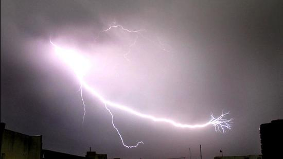 India is certain to see a spike in lightning mortalities in the future (HT Photo/Burhaan Kinu)