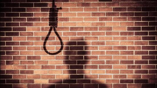 The accused has confessed that in a fit of rage, he kicked out the stool from under her feet, causing her to hang (HT File Photo)