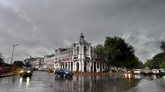 Delhi-NCR areas will see thunderstorms with light to moderate intensity rain during the next 2 hours, the IMD said. (HT file)