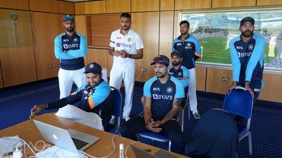 Team India watching Team India(BCCI)