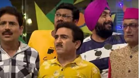 Jethalal and purush mandal of Taarak Mehta Ka Ooltah Chashmah are worried Bagha will spill the beans.
