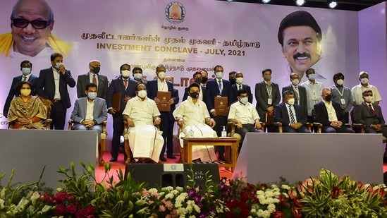 Tamil Nadu Chief Minister MK Stalin along with industries minister Thangam Thenarasu and investors at the 'Investment Conclave' to lay the foundation stone of nine projects and inaugurate five other projects, in Chennai,(PTI)