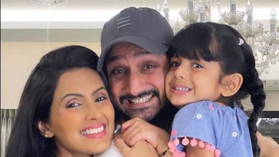 Actor Geeta Basra with husband Harbhajan Singh and daughter Hinaaya.