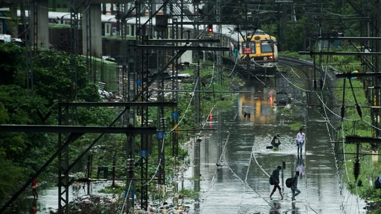 IMD said extremely heavy rain is very likely over Konkan, Goa and ghat areas of central Maharashtra on July 21 and 22. (Pratik Chorge/HT Photo)