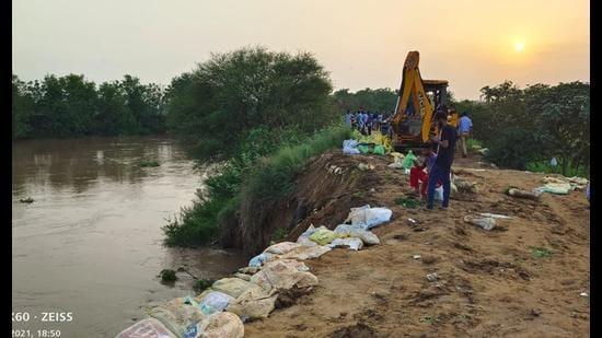 Rising water level in Ghaggar worries farmers in Moonak