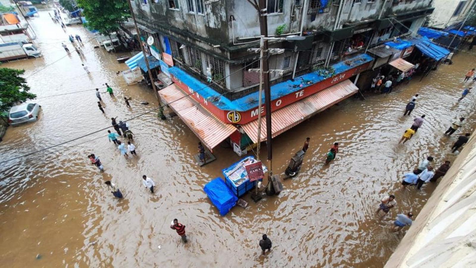Parts of Kalyan, Bhiwandi flooded as rivers overflow after rains in  Maharashtra | Mumbai news - Hindustan Times