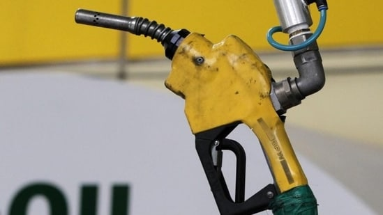 There have been frequent protests and rallies against the skyrocketing fuel prices in the state after the petrol price touched <span class='webrupee'>₹</span>100. (Representational photo)