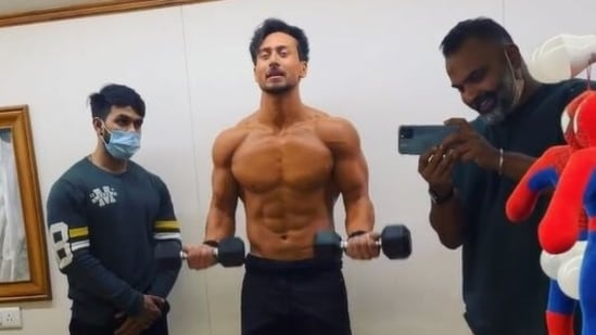 Tiger Shroff shared a video showing his preparation for Heropanti 2.
