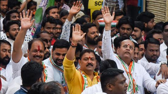 Congress, NCP and other parties at a political campaign in front of Kasba Ganapati on March 31, 2019. After Patole's call on civic polls, Congress prepares to go solo in Pune. (HT FILE)