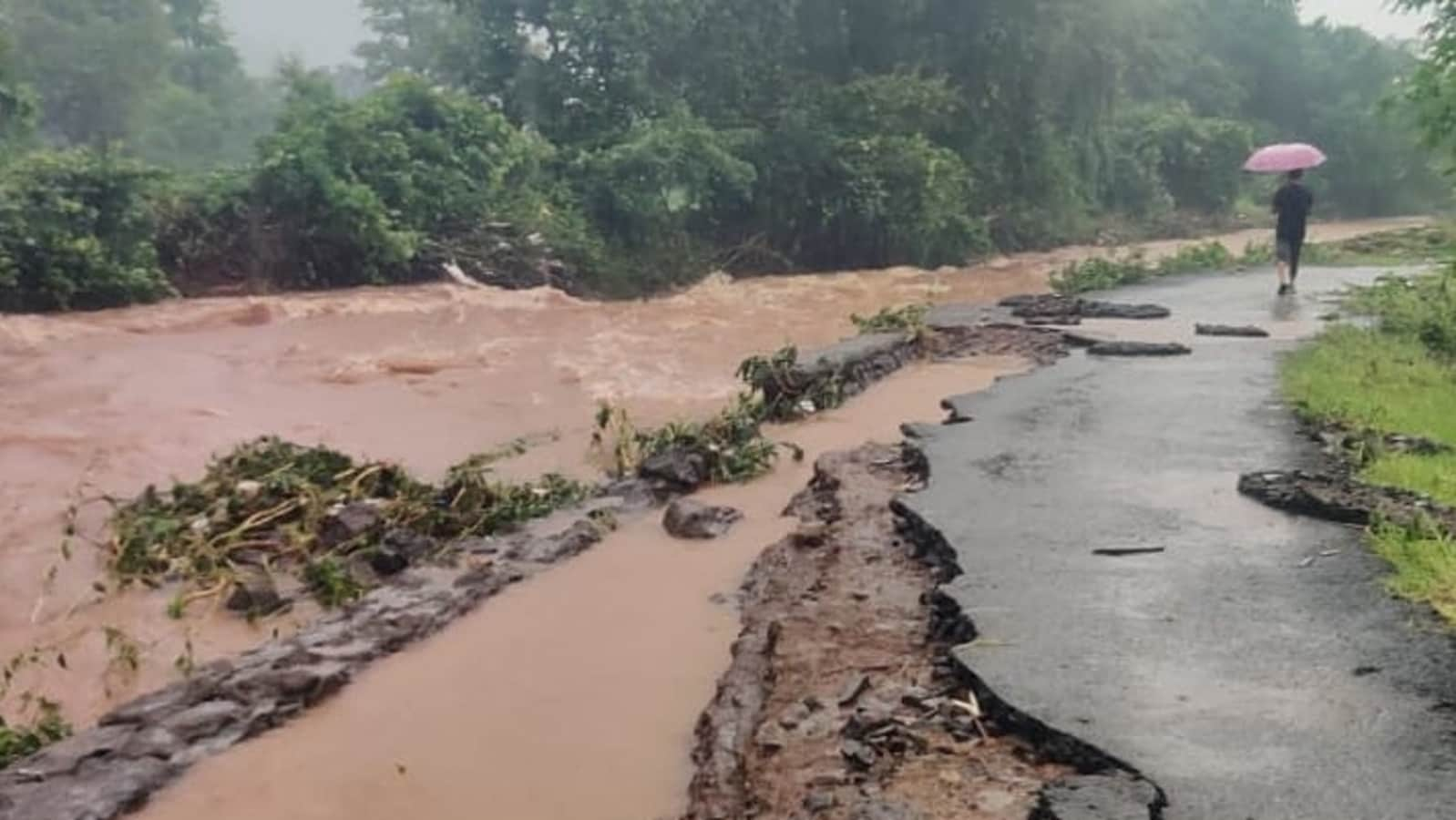 5 dead in Raigad landslide triggered by heavy rains | Latest News India - Hindustan Times