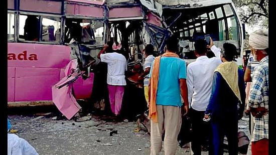 3 Cong workers killed, nine injured in Moga road mishap