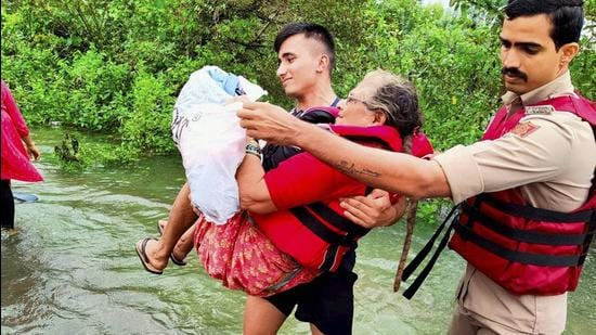 Indian Navy moblises rescue effort for Maharashtra, where over 89,000 people have been evacuated following floods and landslides. (PTI)