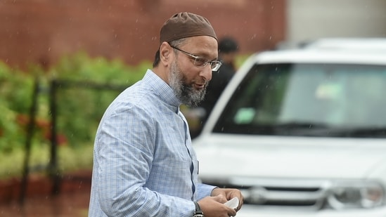 Owaisi had earlier announced that AIMIM will contest 100 seats in Uttar Pradesh assembly election.(PTI Photo)