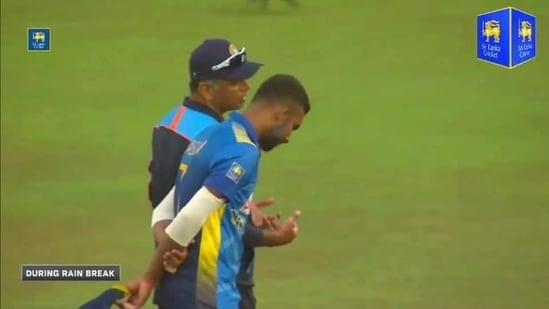 Rahul Dravid with Sri Lankan captain Dasun Shanaka.