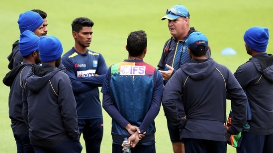 Sri Lanka head coach Mickey Arthur speaks to his players: File photo(AP)
