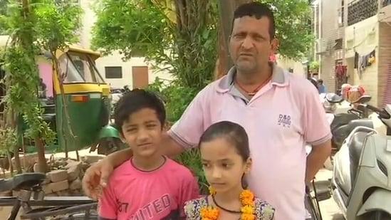 Sanjay Rana said that he feeds around 25 people every day. (ANI Photo)