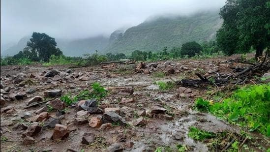 Officials said that the flooding seen in northern Karnataka and Goa was the worst since 1982. (HT PHOTO)