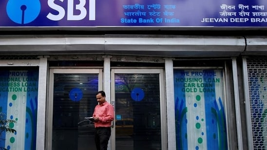 SBI Apprentice Recruitment 2021: Last date today to apply for 6100 posts(REUTERS/ File photo)
