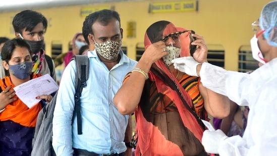 Maharashtra has conducted a total of 47,176,715 tests since the pandemic struck last year. (Photo by Anshuman Poyrekar/Hindustan Times)(Anshuman Poyrekar/HT PHOTO)