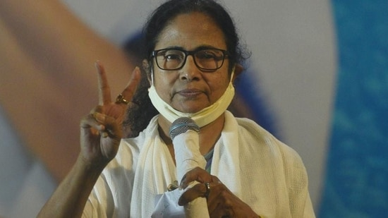 """West Bengal chief minister Mamata Banerjee termed her meeting with Congress interim president Sonia Gandhi and party leader Rahul Gandhi as """"very good."""" (Samir Jana/HT Photo)"""