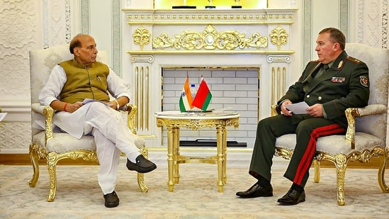 Defence Minister Rajnath Singh meeting the Defence Minister of Belarus, Lieutenant General Viktor Khrenin on the sidelines of SCO Defence Ministers.(PTI)