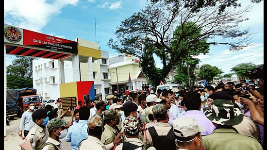 Assam: A Congress party delegation was stopped by police from accessing the ground situation at Assam-Mizoram border in Lailapur on Wednesday. (ANI)