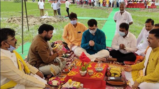 Union minister Smriti Irani's son performing bhoomi pujan for her house in Amethi. (Sourced image)