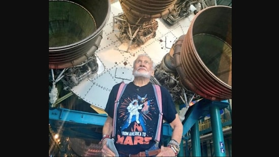 Buzz Aldrin's post on customs has left people giggling.(Twitter/@TheRealBuzz)