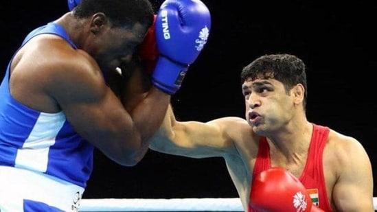 Photo of Indian boxer Satish Kumar (R)(Twitter)