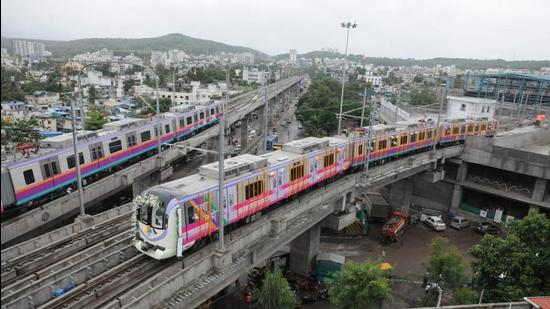 The project has two corridors - one from Vanaz to Ramwadi, which is an elevated line, and the other from Pimpri Chinchwad to Swargate, which is elevated till the Agriculture College in Shivajinagar and underground after that. (HT Photo)