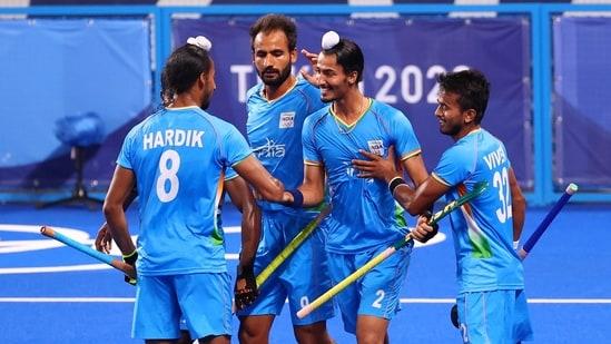 Dilpreet Singh of India celebrates with teammates after scoring. REUTERS/Bernadett Szabo(REUTERS)