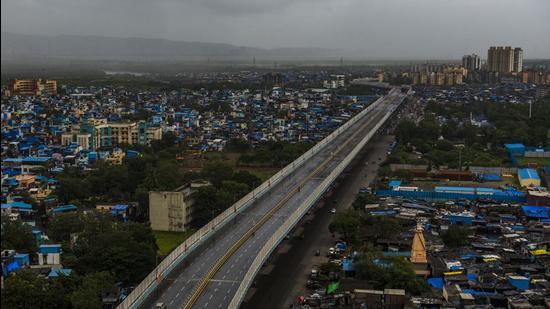 Ghatkopar-Mankhurd flyover was inaugurated by CM Uddhav Thackeray at Govandi. (Pratik Chorge/HT Photo)